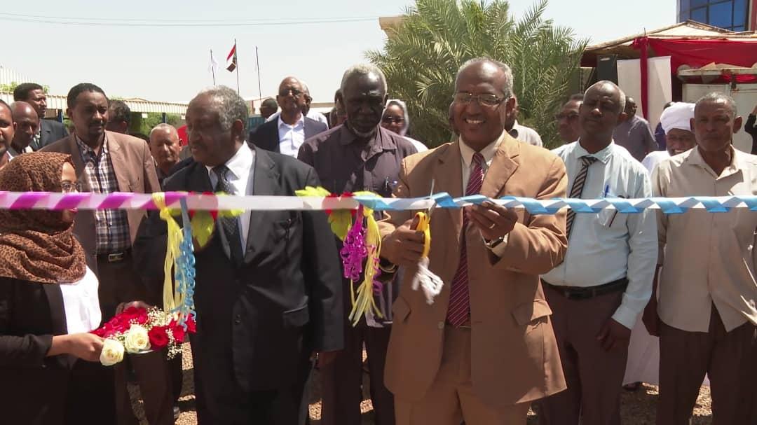 السودان : دخول  (20) جرار  لنقل المواد البترولية