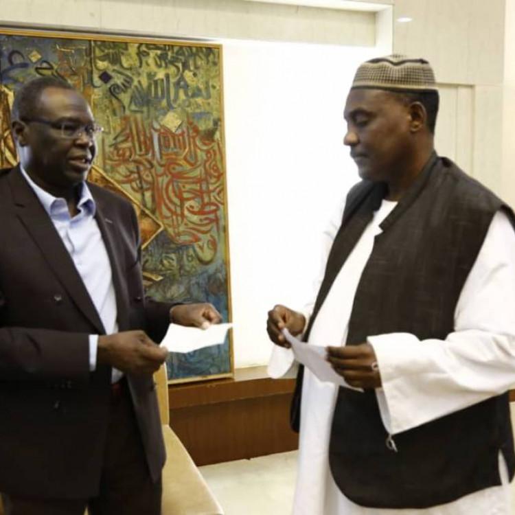 رجل أعمال سوداني يتبرع للحكومة لمقابلة اشتراطات قائمة الإرهاب