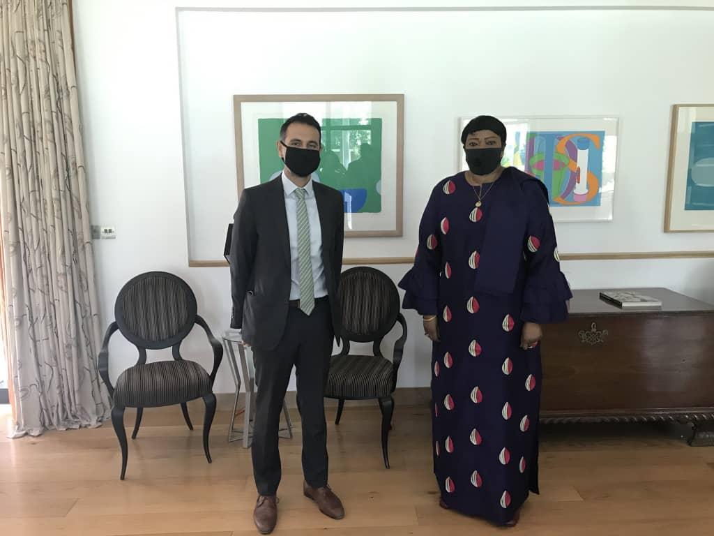 السفير البريطاني  : ملتزمون بدعم عمل المحكمة الجنائية الدولية في السودان
