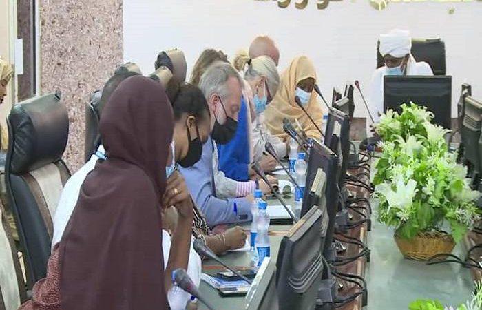 وفد من السفارة الامريكية بالخرطوم يقف علي اوضاع اللاجئين بكسلا