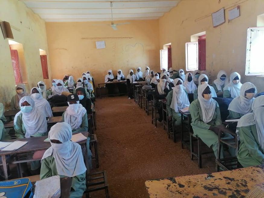 التربية الخرطوم توزع وجبة الإفطار لتلاميذ محليتي جبل أولياء وأمبدة