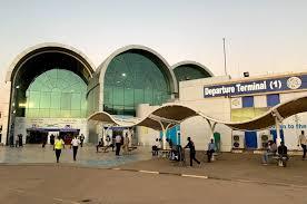 مدير الطيران المدني يرفض الاتهامات الموجهة لمطار الخرطوم