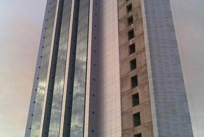 مواطنو بري مربع 9 يشتكونمن إغلاق الشارع بواسطة ادارة برج الاتصالات